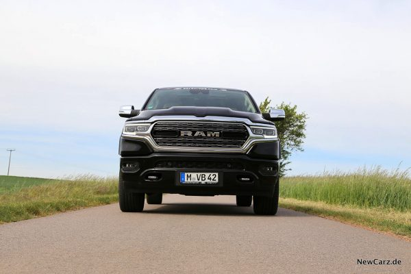 RAm 1500 Limited Front