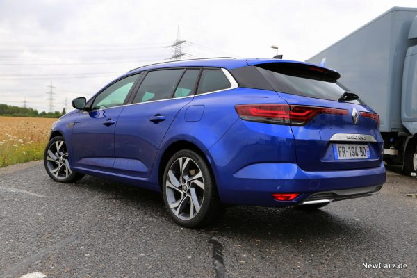 Renault Megane Grandtour E-Tech Plug-in 160 blau