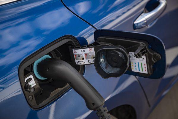 Renault Megane Grandtour E-Tech Plug-in 160 Laden