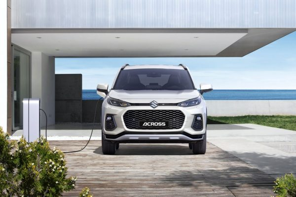Suzuki Acros beim Laden