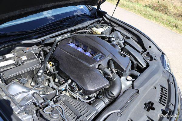 V8 im Lexus