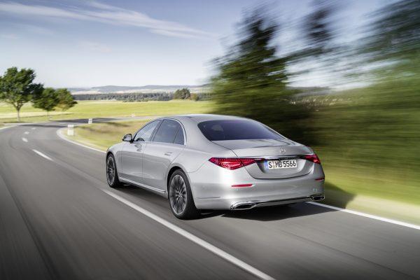 Mercedes-Benz S-Klasse 2020 in Fahrt
