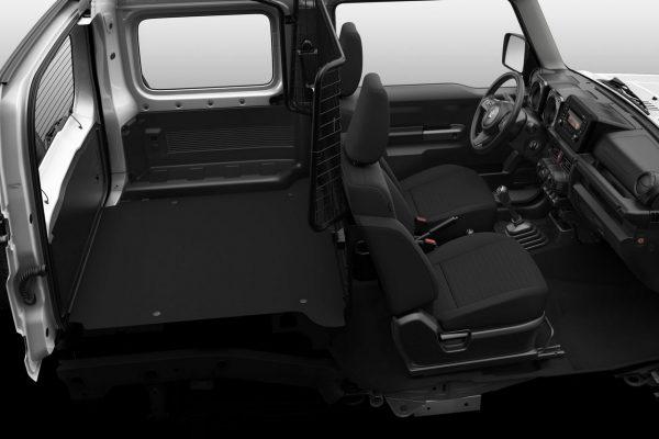 Suzuki Jimny NFZ Innenraum