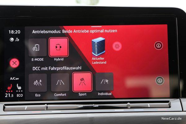 VW Golf 8 eHybrid und VW Golf 8 GTE Zentralbildschirm