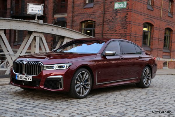 BMW G12 V12