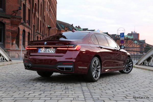 BMW M760Li xDrive Speicherstadt