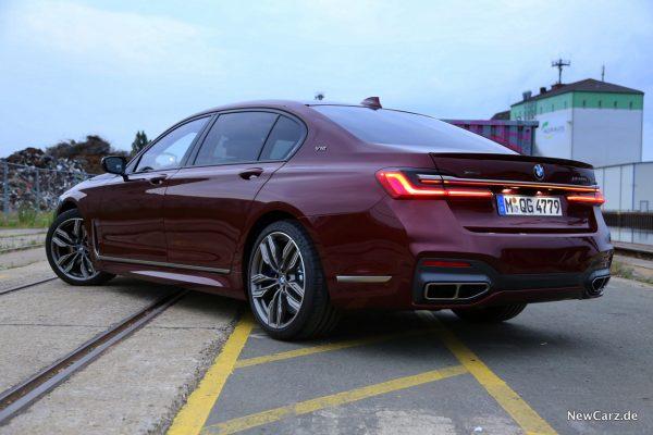 BMW 7er V12