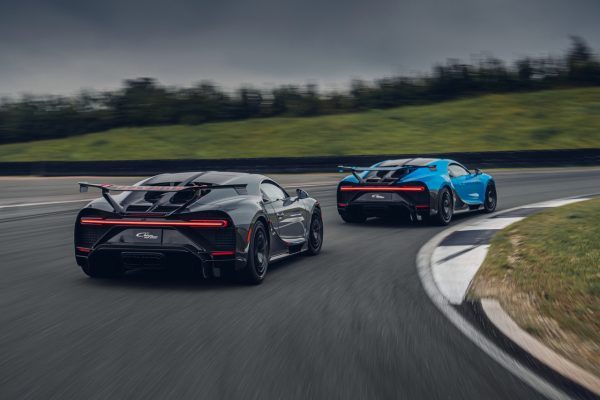 Bugatti Chiron Pur Sport on track
