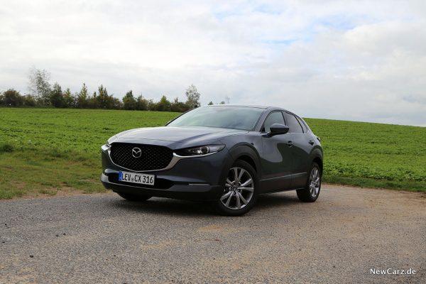 Mazda CX-30 vorne schräg links