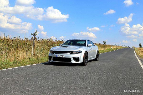 Dodge Charger SRT Hellcat im Sommer