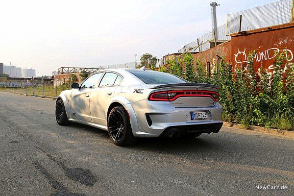 Dodge Charger SRT Hellcat schräg hinten links