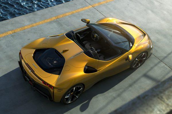 Ferrari SF90 Spider oben
