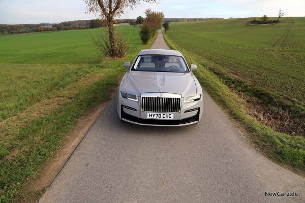 Rolls-Royce Ghost Front on road
