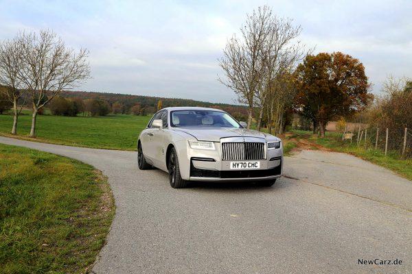 Rolls-Royce Ghost schräg vorn rechts