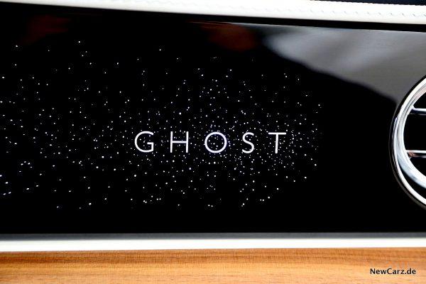 Ghost-Schriftzug