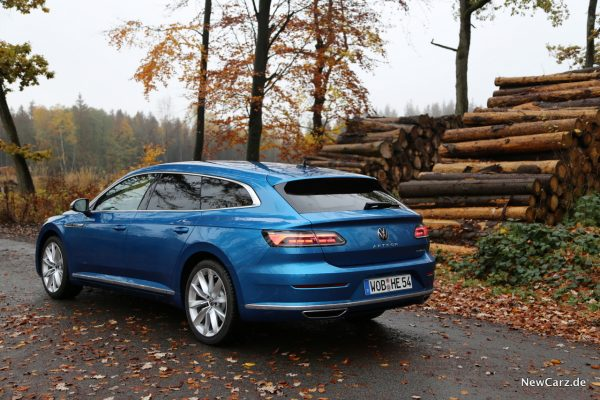 Shooting Brake in Eisvogel Blau