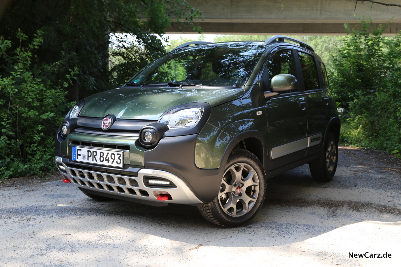 Fiat-Panda-4-4-Cross-Italo-Offroader-im-Mini-Format