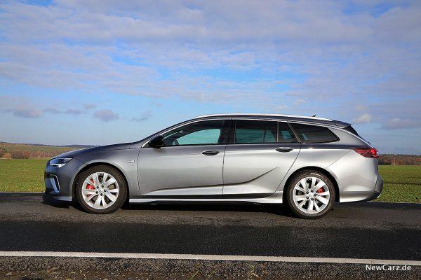 Opel Insignia Sport Tourer GSi Seite