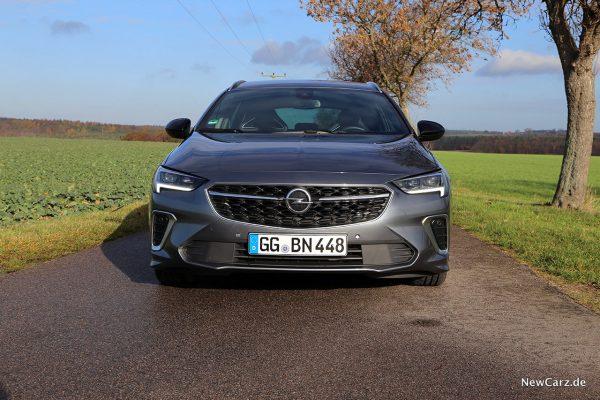Opel Insignia Sport Tourer GSi Front