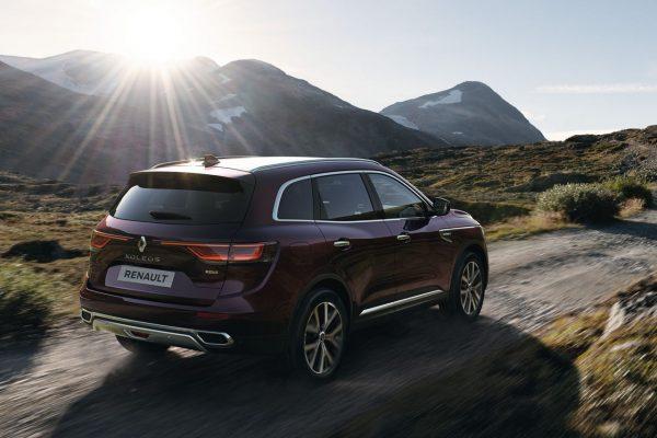 Renault Koleos 2021 schräg hinten