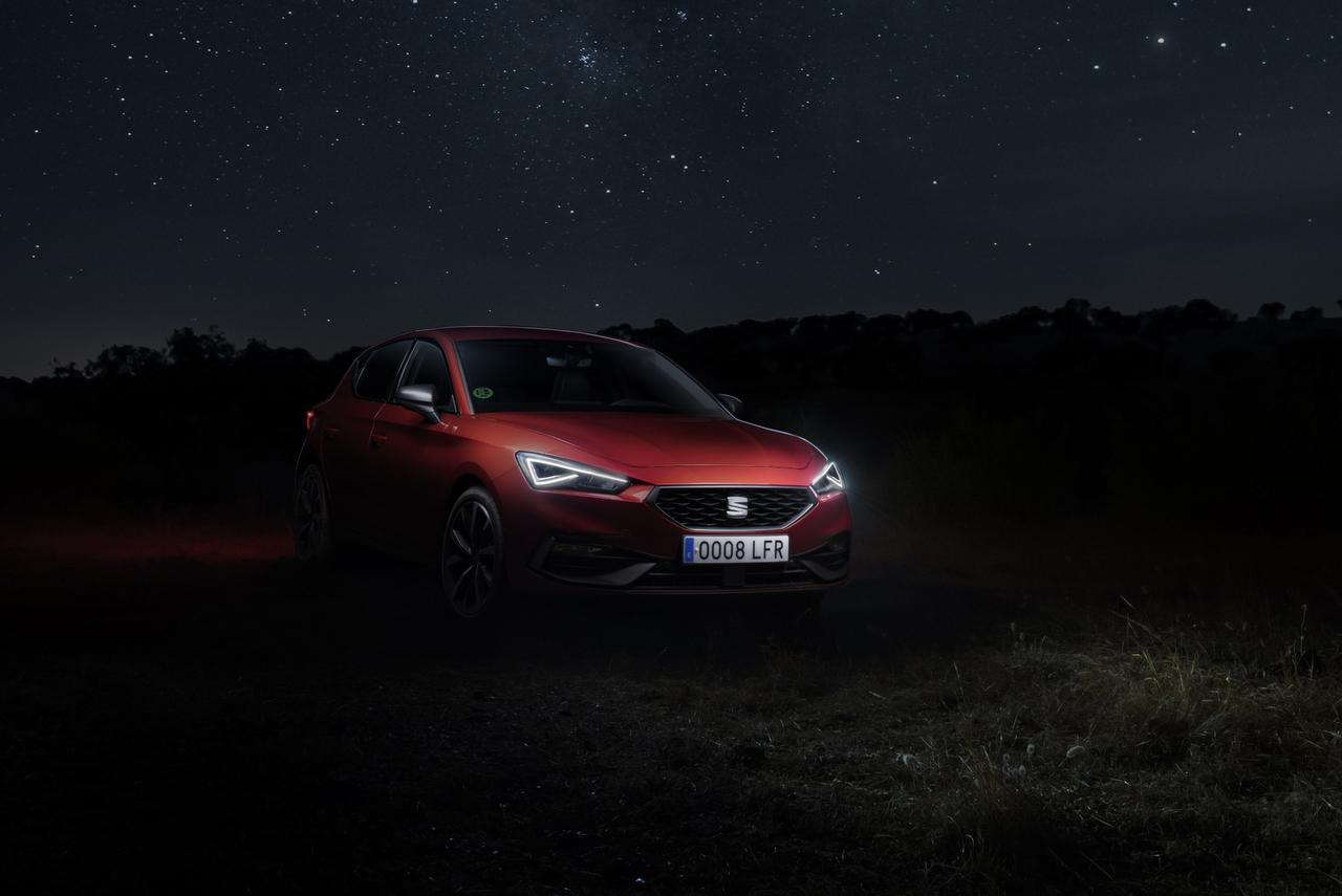 Seat-Leon-Lichttechnik-800-Stunden-Finsternis