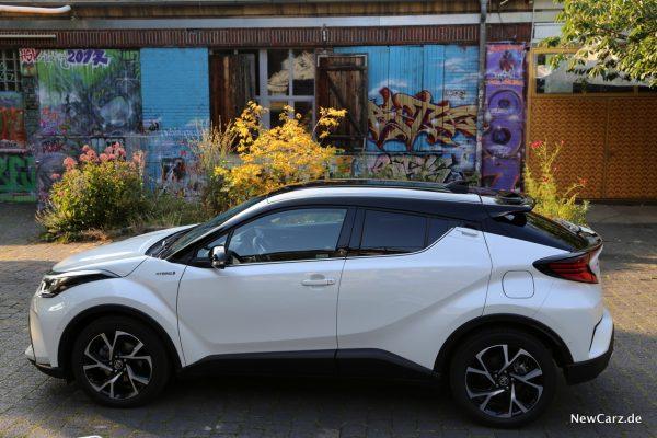 Toyota C-HR Facelift weiß Seite