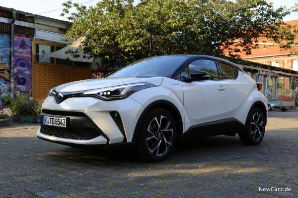 Toyota C-HR Facelift Front
