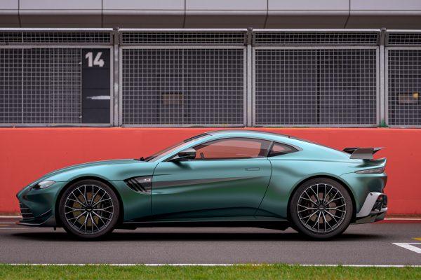 Aston Martin Vantage F1 Edition Seite