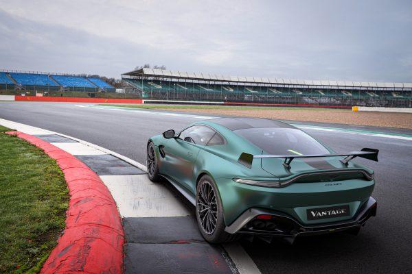 Aston Martin Vantage F1 Edition on track