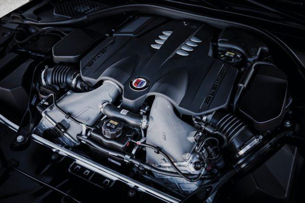 Motorraum BMW Alpina V8