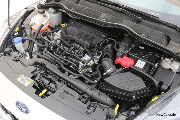 Dreizylinder Motorraum