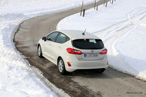 Ford Fiesta Hybrid schräg oben links hinten
