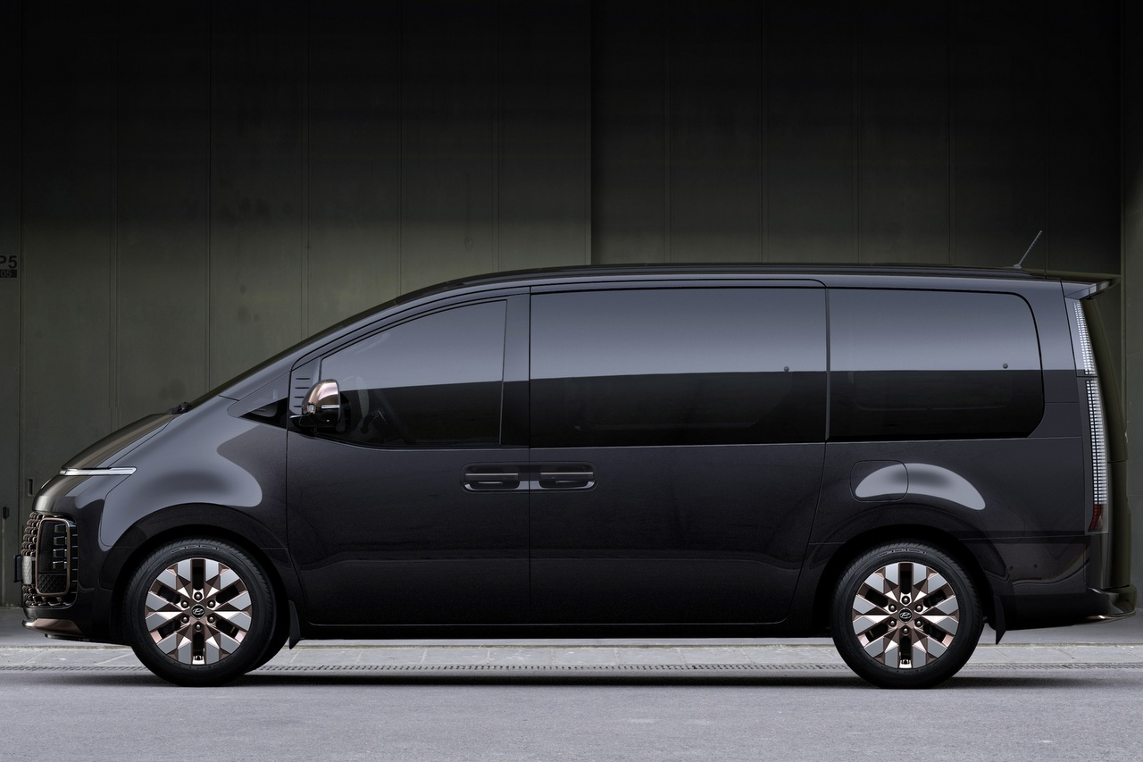 Hyundai STARIA - Rückkehr zum Van - NewCarz.de