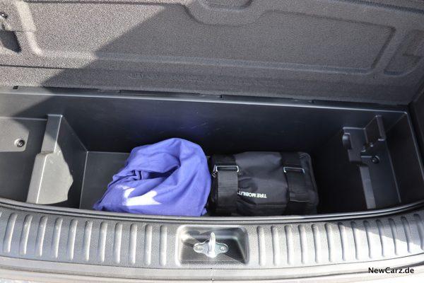 Staufach Kofferraum