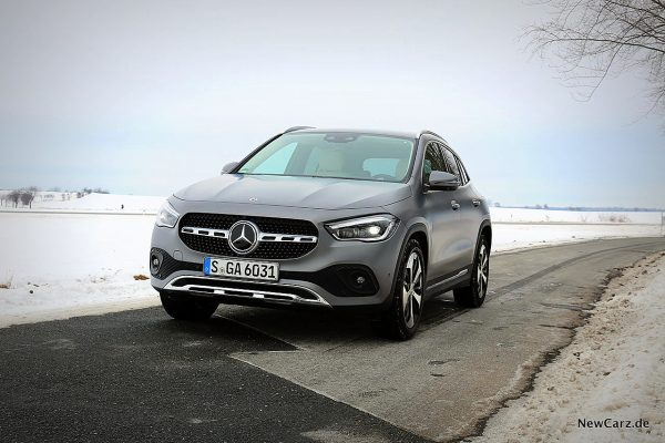 Mercedes-Benz GLA 220d 4Matic schräg vorn links