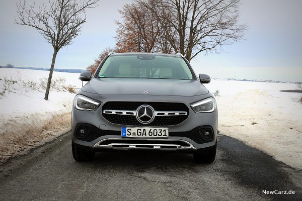 Mercedes-Benz GLA 220d 4Matic Front
