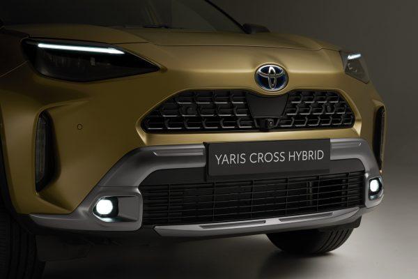 Front Toyota Yaris Cross Adventure
