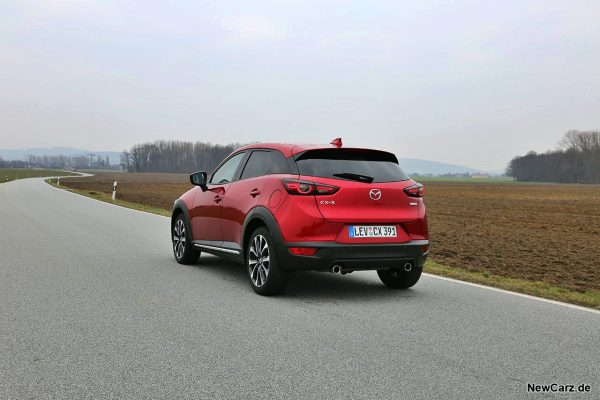 Mazda CX-3 schräg hinten links