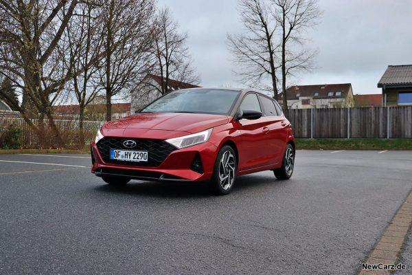 Hyundai i20 schräg vorne links