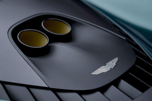 Endrohre Aston Martin