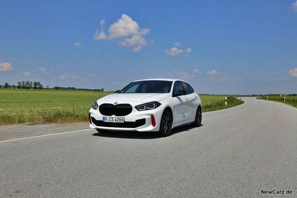 BMW 128ti schräg vorne links