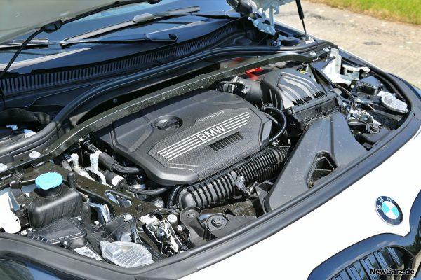 Motorraum BMW 128ti