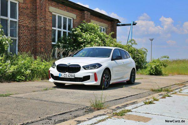 BMW 128ti schräg vorn links
