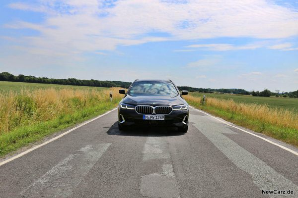 BMW 540d Touring on road