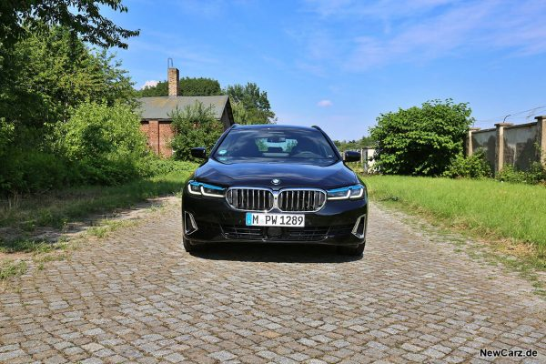 BMW 540d Touring Front