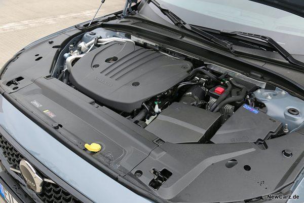 Motorraum Volvo V90 B5