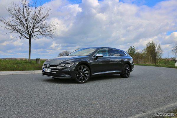 VW Arteon Shooting Brake schräg vorn links