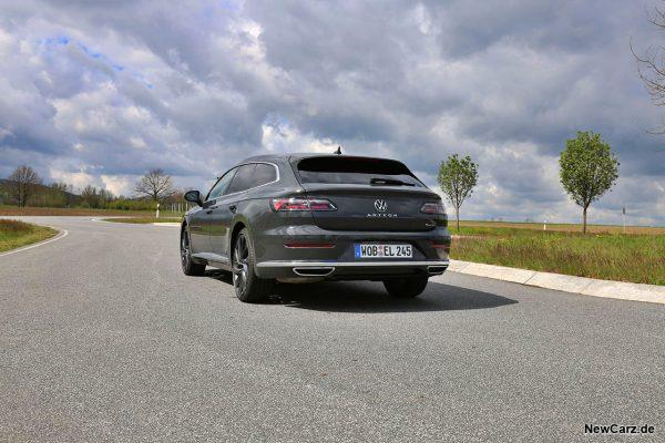 VW Arteon Shooting Brake schräg hinten links