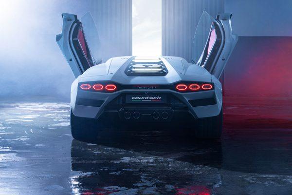Lamborghini Countach LPI 800-4 Heck