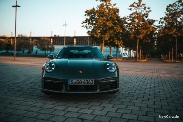 Porsche 911 Turbo S Cabrio Front